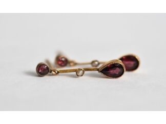 27b2be167 You're viewing: Fine pair of 9ct gold Victorian almandine garnet & seed  pearl drop earrings £120.00